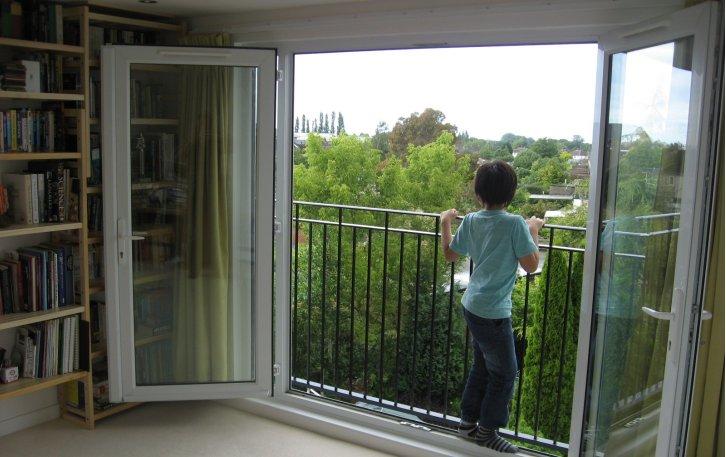 byron-juliette-balcony